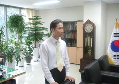 ANSONG, South Korea-Gwak Jong Moon, principal of the Hangyoreh Middle High School for North Korean defectors, in his office, July 2009.