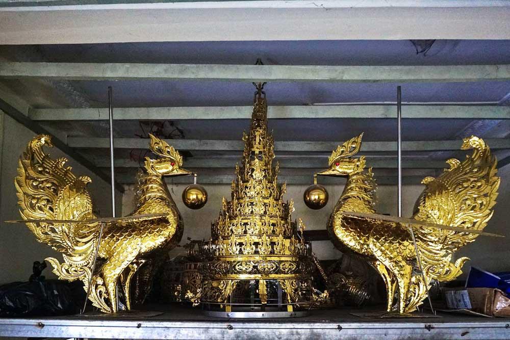 Mythological Hintha birds flank a pillar finial at a workshop. (Myo Min Soe/RFA)