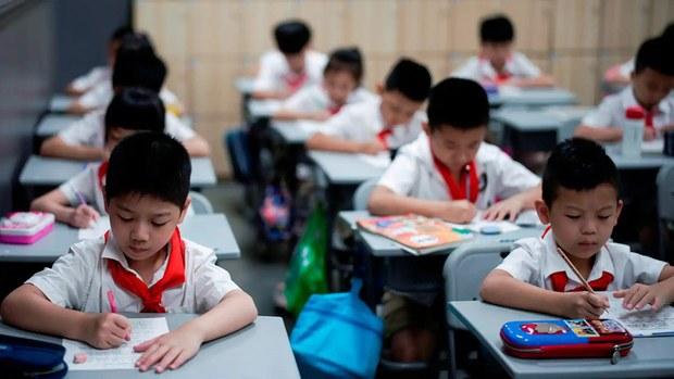 Shanghai Bans English Exams Amid Calls For Less English Teaching