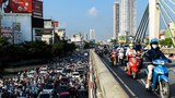 Crowds at Checkpoints Clash With Police as Vietnam Eases Pandemic Restrictions